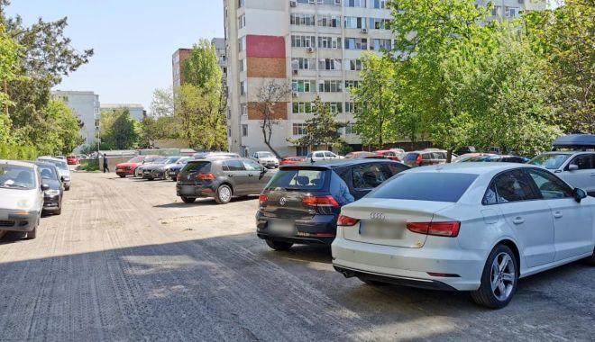Restricţii de parcare în zona Tomis III. Sunt asfaltate mai multe alei - restrictiideparcare-1620132963.jpg