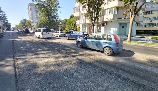 Restricții de trafic pe bulevardul Tomis. Se toarnă asfalt - restrictiidetrafic-1593703094.jpg