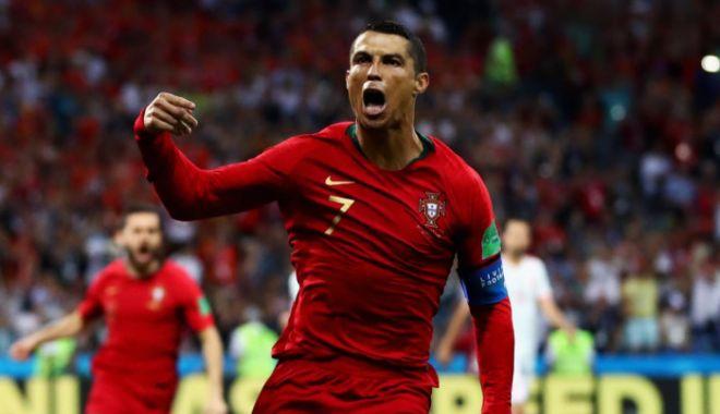 Foto: Cristiano Ronaldo a depăşit bariera de 100 de goluri pentru Portugalia