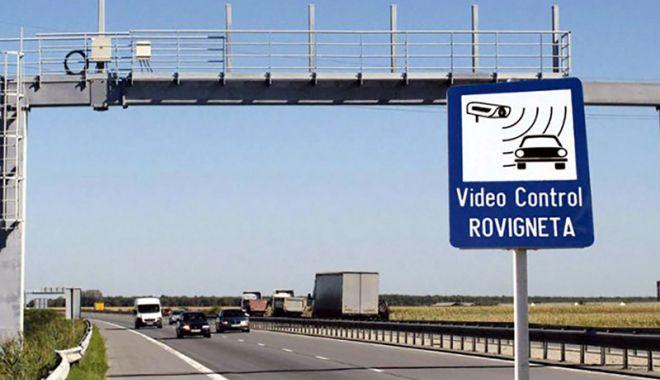 Noul proprietar al mașinii va fi amendat pentru lipsa rovinietei - rovinieta-1525880472.jpg