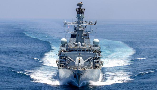 Foto: Royal Navy va escorta navele sub pavilion britanic în strâmtoarea Ormuz