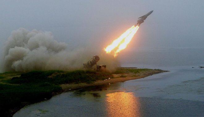 Foto: Rusia califică drept regretabil testul american cu rachetă efectuat în 18 august