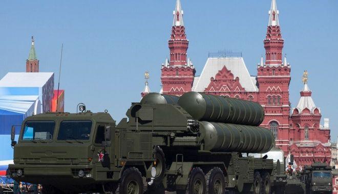 Foto: Rusia va livra Indiei rachete sol-aer S-400