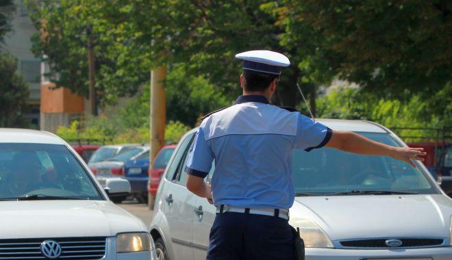 Foto: Șoferii Uber, în vizorul polițiștilor de la malul mării