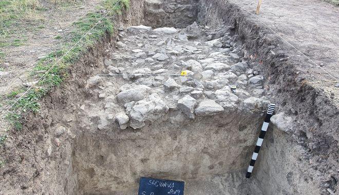 Cercetări arheologice. Cetatea Sacidava, o necunoscută cu un farmec aparte - sacidava3-1604690240.jpg