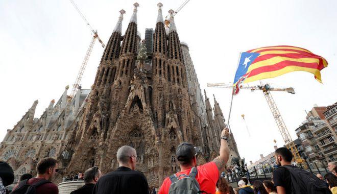 Foto: Sagrada Familia a fost închisă din cauza protestelor din Barcelona. Protestatarii au blocat bulevarde întregi