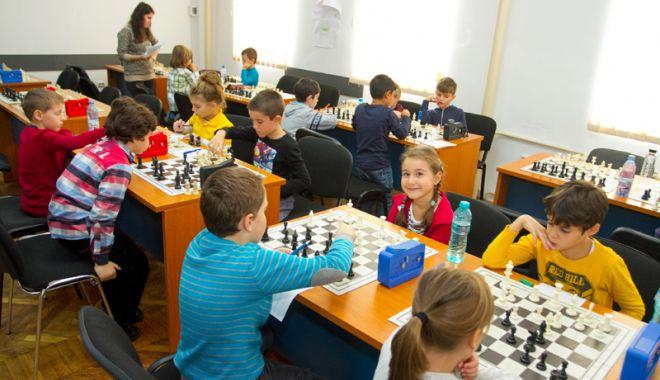 """Foto: Se dă startul concursului județean  """"Șahul ca o poveste"""""""