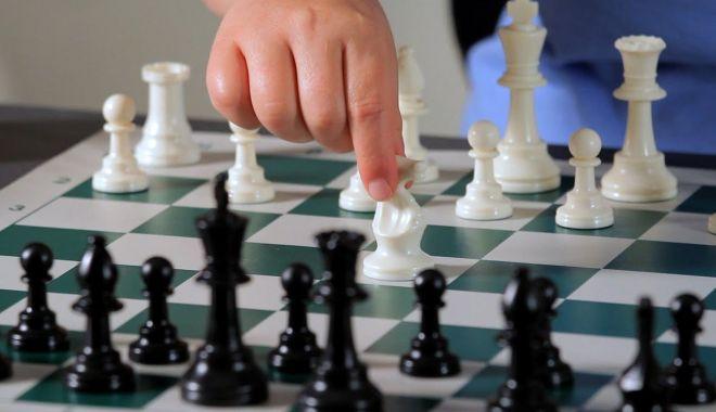 Foto: Șahiști din China și India, la Naționalele de șah de la Mamaia