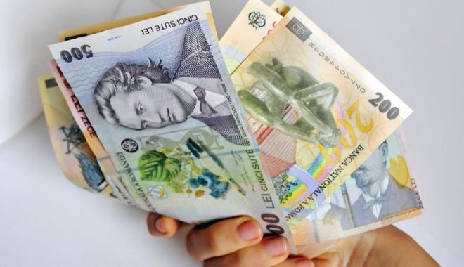 Foto: Ce amenzi riscă patronii  care dau salarii  mai mici decât  prevede legea