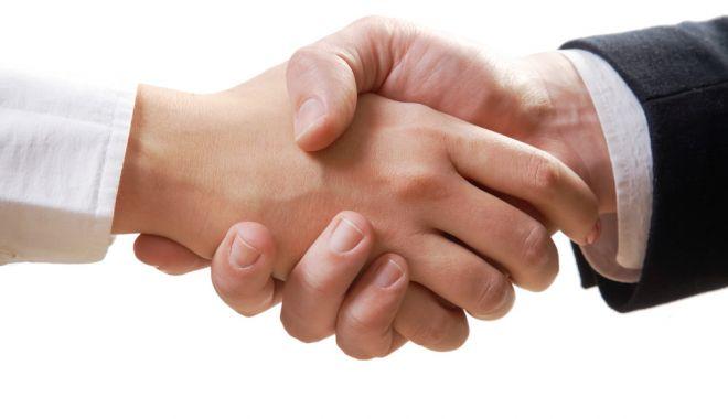 21 noiembrie, Ziua mondială a salutului - salut-1605949564.jpg