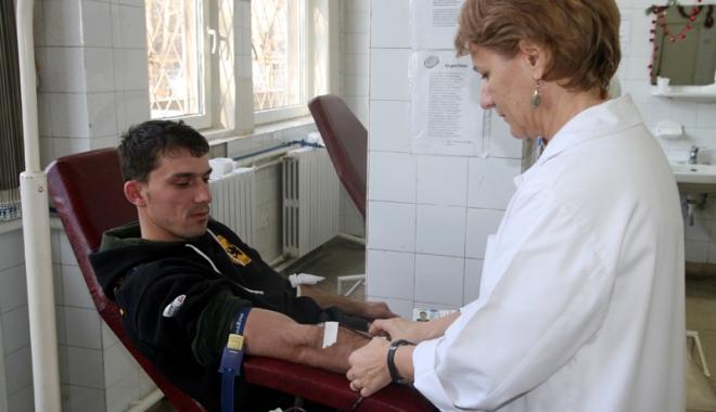 Campanie umanitară, la Mangalia. Donează sânge și salvează o viață! - sangevoluntari1-1491141758.jpg