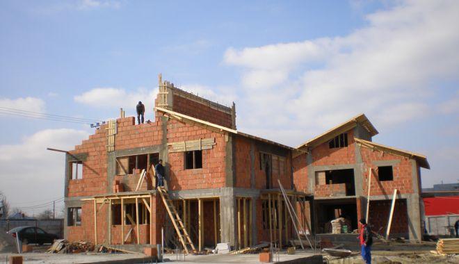 Foto: S-a redus numărul autorizațiilor de construire