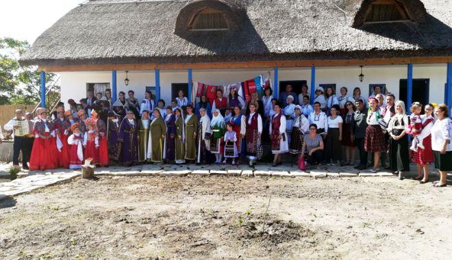 Foto: Meșteri populari de nota 10. Satul dobrogean în gospodăria tradițională