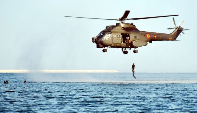 Foto: Operații speciale! Oamenii care au privilegiul să vadă marea din adâncuri