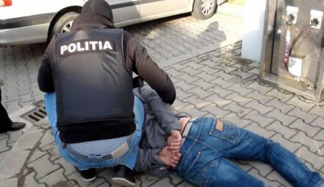 Foto: Scandaluri de 1 Mai, aplanate de mascați