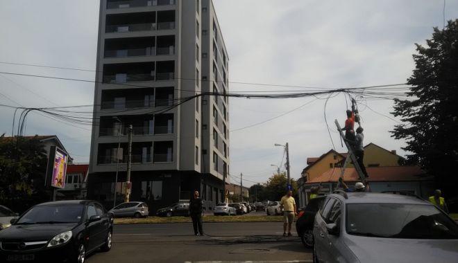 Foto: Mai puține cabluri pe bulevardul Mamaia din Constanța