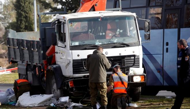 Foto: Scenele de groază de la Nisa și Berlin se repetă! Un camion a intrat în plin într-o mulțime, la Ierusalim