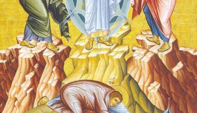 Foto: Credincioșii sărbătoresc praznicul Schimbării la Față