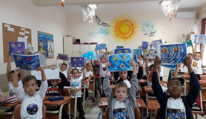 Elevii constănțeni au sărbătorit Săptămâna Mondială a Spațiului Cosmic - scoala1-1571049011.jpg