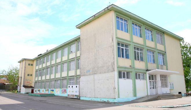 Școala Gimnazială nr. 17, reabilitată cu bani europeni - scoalagimnaziala1-1589789159.jpg