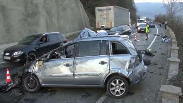 Foto: Șofer beat, la un pas să-și ucidă copiii într-un accident