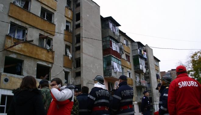 Foto: EXPLOZIE PUTERNICĂ. Două persoane au fost rănite și 60, evacuate