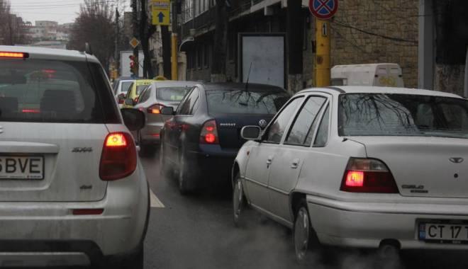 Foto: Atenție, șoferi! Trafic îngreunat pe bulevardul Mamaia