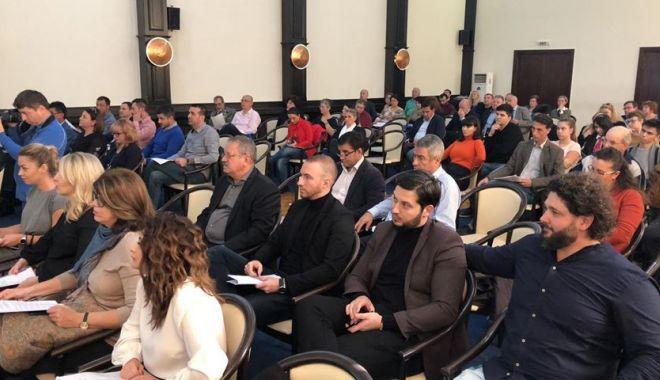 Ședință de Consiliu Local / Veste proastă pentru elevii care au cerut mărirea burselor! UPDATE - sedinta-1540982212.jpg