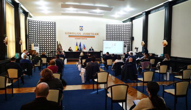 Ce proiecte au votat aleșii locali în şedinţa extraordinară - sedintaclextraordinara-1631122151.jpg