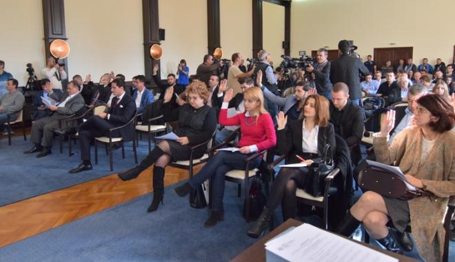 Foto: Primarul Decebal Făgădău i-a convocat pe consilieri la ședință. Ce se va discuta