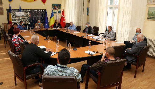 Foto: Consilierii locali din Medgidia, undă verde pentru plata serviciilor oferite de bone