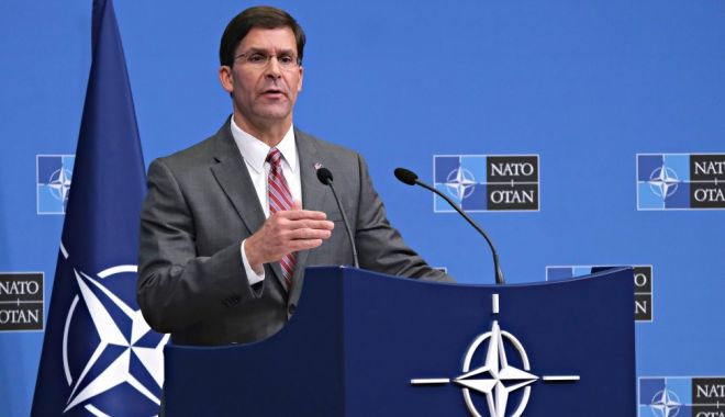"""Foto: Șeful Pentagonului denunță statele """"parazite"""" din cadrul NATO"""