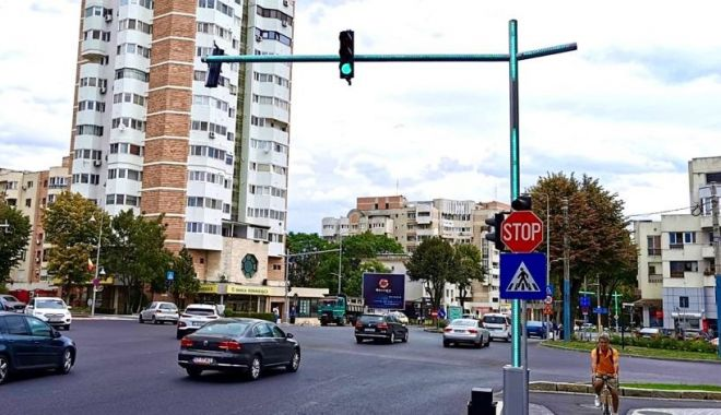 Zona Capitol, modernizată. Administrația locală montează semafoare inteligente - semafor-1599244120.jpg