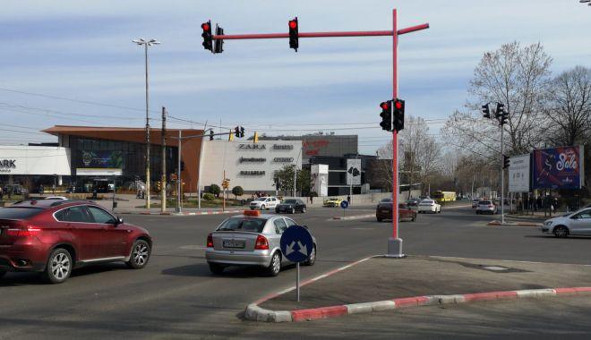 Foto: IMAGINEA ZILEI LA CONSTANȚA / Un nou sistem de iluminare, pentru semafoare din Constanța