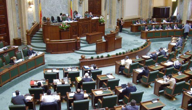 Senat: Propunere legislativă privind acordarea  unui concediu pentru divorț - senat-1539267112.jpg