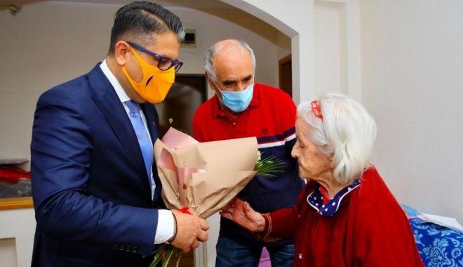 Seniorii din Constanţa, premiați la ei acasă - senioriiconstantei2-1600797128.jpg