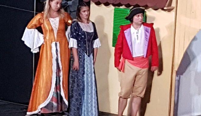Serile de teatru continuă la Pontul Euxin - serideteatru2-1586180486.jpg