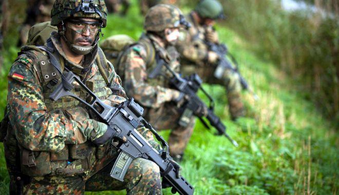 Ministrul german al Apărării se opune serviciului militar obligatoriu - serviciulmilitargermania-1534160233.jpg