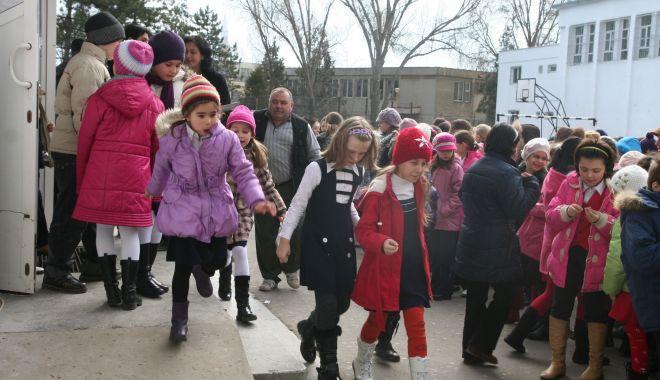 Revine vacanța de iarnă din februarie. Ce modificări ale anului școlar propune Ministerul Educației - seschimbaanulscolar-1578311121.jpg