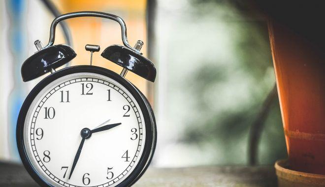 Se schimbă ora. În weekend dormim cu o oră în plus - seschimbaorasursacapital-1603467311.jpg