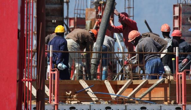 Foto: Se scumpește forța de muncă
