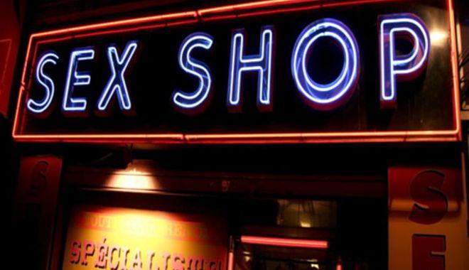 PERCHEZIȚII ÎN SEX-SHOP, la Constanța. Droguri vândute drept odorizante de camere! - sex-1620897470.jpg