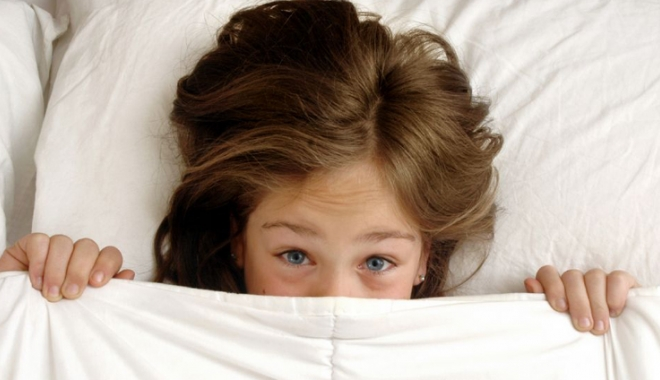 Foto: Sfaturi pentru părinți, atunci când copilul udă patul