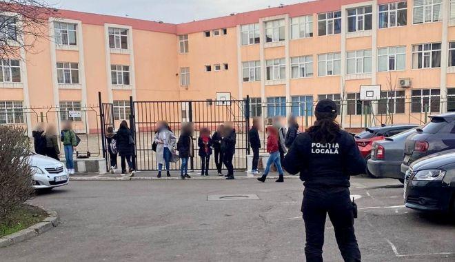 Polițiștii locali asigură protecția elevilor - sigurantascoli2-1613544817.jpg