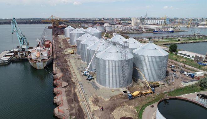 Foto: Silozurile de cereale duc greul  traficului de mărfuri din portul Constanța