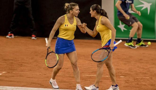 Simona Halep şi Monica Niculescu defilează la Roma - simona-1600174383.jpg