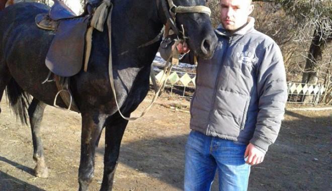 DE NECREZUT: Polițistul care prinde hoți călare și însoțit de un pitbull - sirburobertsicalul1baraganu-1359399574.jpg