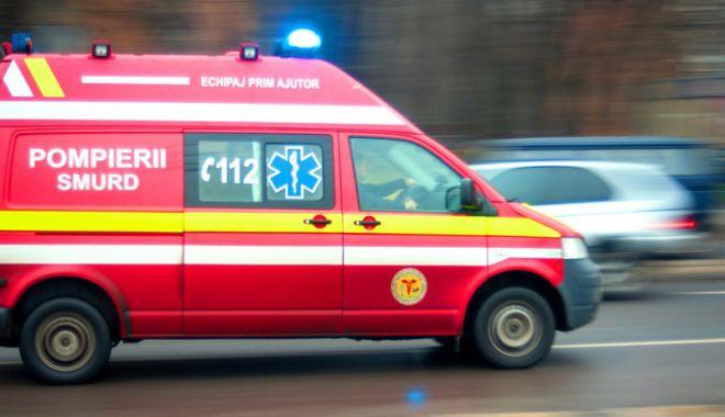 Foto: Strigăte de ajutor, dintr-un imobil din Năvodari! Victima, transportată la spital