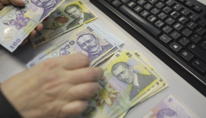 Situaţie dificilă a finanţelor publice - situatiedificilaafinantelorpubli-1605895756.jpg