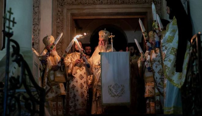 Patriarhul Daniel: Învierea Mântuitorului Iisus Hristos este vindecare de întristare - slujbadeinvieredepastipatriarhul-1619935837.jpg